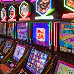 Advantages of Playing at Online Casinos or Games